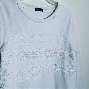 Gap | Cream/Off White Lace Accent Sweatshirt XS